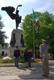 AQ monumento ai caduti.jpg