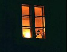 finestra illuminata
